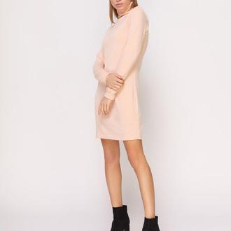 Платье-гольф пудрового цвета мини