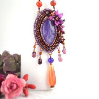 Кулон с фиолетовым агатом и сердоликом, вышитый кулон с цветами, цветочный кулон