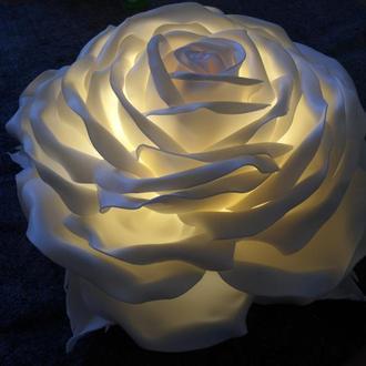 Светильник-ночник ручной работы в виде розы