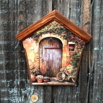 Ключница домик Ключница настенная декоративная в прихожую Вешалка для ключей Прованс дворик