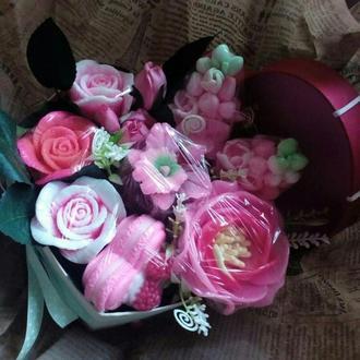 """Букет мыльных цветов в коробке """"Сердце""""( средняя коробка)"""
