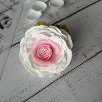 Роза из фоамирана на резинке