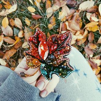 Брошь осенний кленовый лист листочек