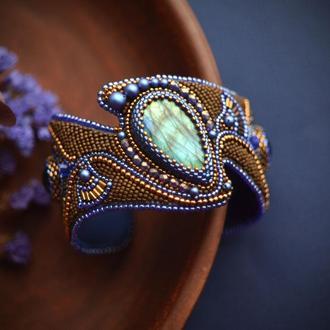 Браслет с лабрадоритом, вышитый бисером браслет , синий и бронза, подарок к новому году