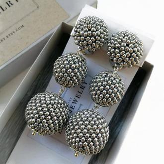 Серебристые серьги клипсы из бисера бон бон, вечерние серьги, украшение на праздник