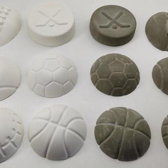 Набор мячей из бетона