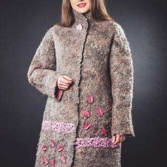 Пальто зимнее Пробуждение весны,валяное ручной работы,из мериносовой шерсти