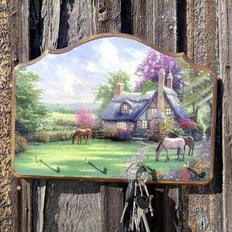 Настенная ключница-органайзер Ключница настенная декоративная Ключница на стену с лошадьми
