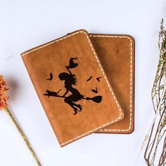 """Хеллоуин! Кожаная обложка для паспорта """"Ведьмочка"""""""