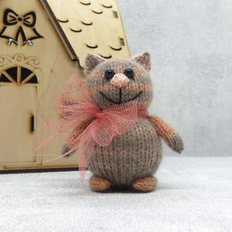Мягкая игрушка вязаный котик, котик амигуруми