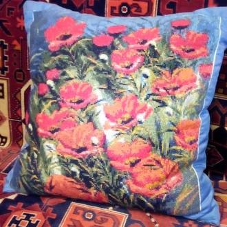 Декоративная подушка. Маки. Рисунок-ручная вышивка.
