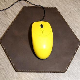 Коврик для мыши.