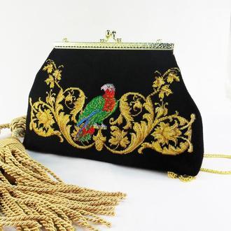 """Замшевая сумочка с вышивкой""""Золотой век """""""