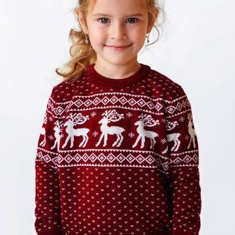Светр для дівчинки з оленями
