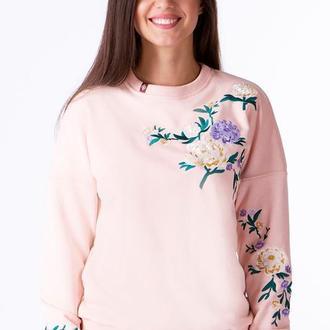 Свитшот женский с дизайнерской вышивкой
