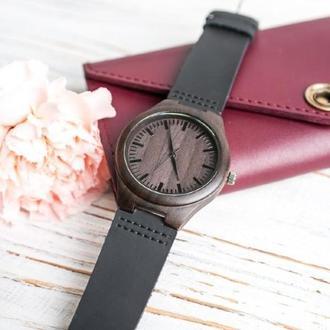 Деревянные часы Вега с гравировкой (женские)