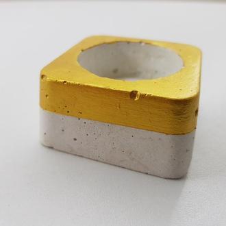 Подсвечник из бетона - белый с золотом (квадрат)