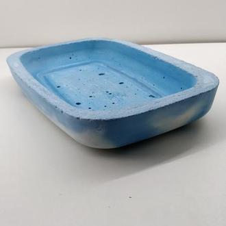 Бетонная ключница - белая с голубым