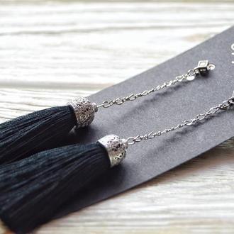 Серьги кисти в чёрном цвете на цепи
