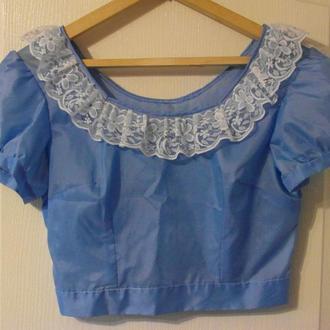 Голубая блуза кофточка