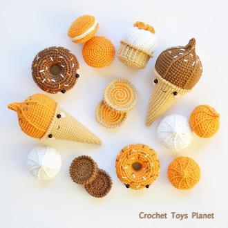 Набор вязаных крючком сладостей 15 пр. - мороженое, печенье, пончики, зефир, безе, печенье, кап-кейк