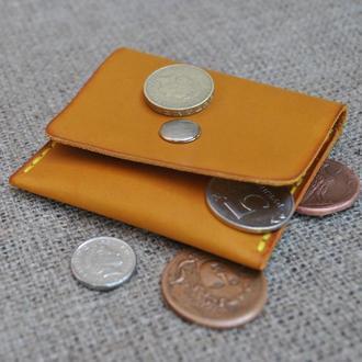 Кожаная монетница M02-180