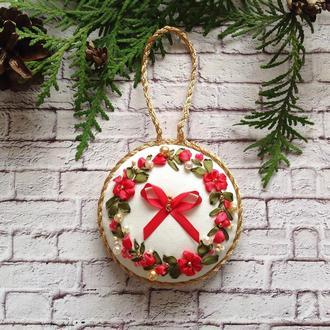 Сувенірна новорічна прикраса  ручної роботи