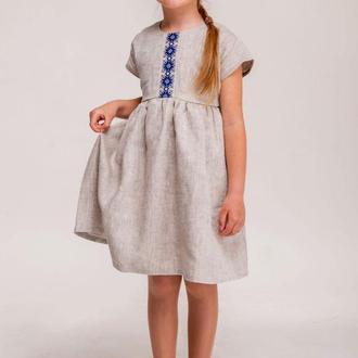Сукня для дівчинки з льону