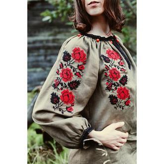 Вишиванка з трояндами кольору хакі