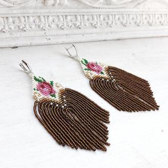 Длинные серьги с розами и бисерной бахромой, бисерные серьги-кисти, сережки з китицями