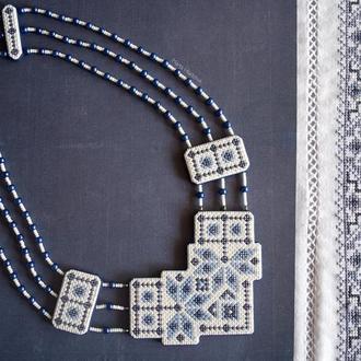 """Кольє """"Українські традиції"""" в синіх тонах з полімерної глини в техніці """"імітація вишивки"""""""