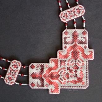 """Кольє """"Українські традиції"""" в бордових тонах з полімерної глини в техніці """"імітація вишивки"""""""