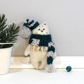 Новогодний котик в бирюзово сером Игрушка кот гном в шапке Елочная игрушка Текстильный декор котенок