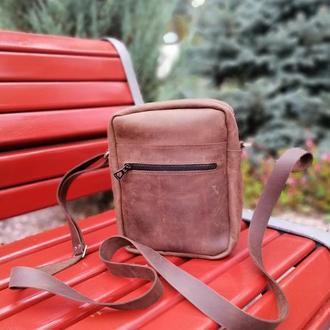 Мужская коричневая кожаная сумка из натуральной кожи.