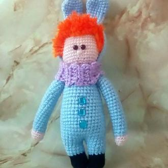 Кукла в костюме зайца