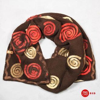 Вязаный шарф с валяным рисунком