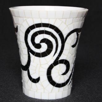 Ваза, кашпо для цветов (мозаика, керамика)
