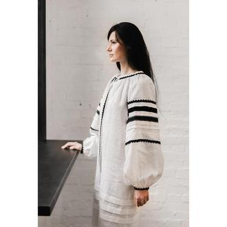 Плаття біле з мереживом та оксамитом