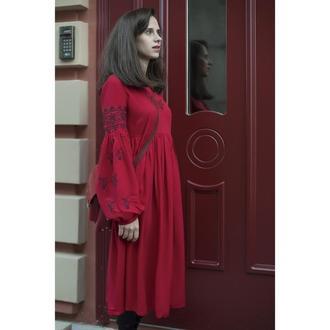 Плаття вишите червоне