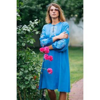 Плаття блакитне з вишивкою