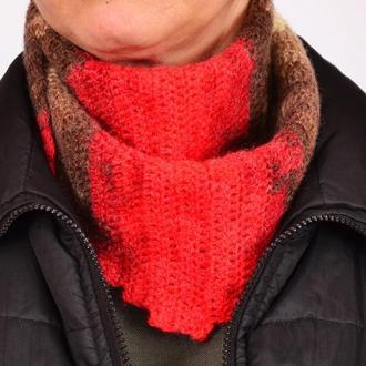 Маленький вязаный женский шарф . Шарф под пальто . В'язаний жіночий шарф.