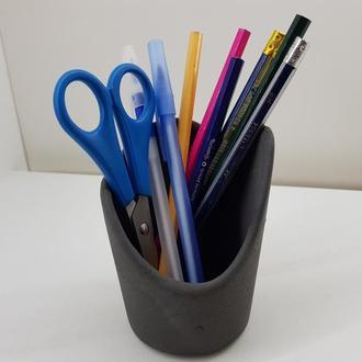 Стакан для ручек и карандашей из бетона - черный