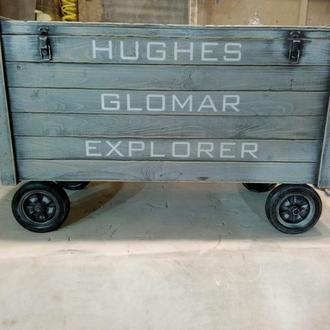 Винтажный ящик с колёсами