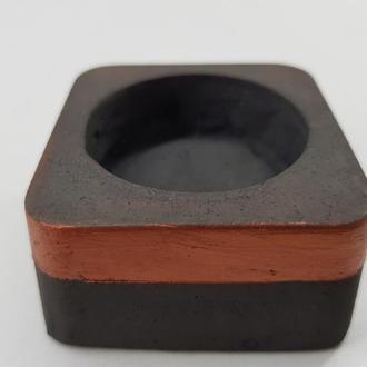 Подсвечник из бетона - черный с медью (квадрат)
