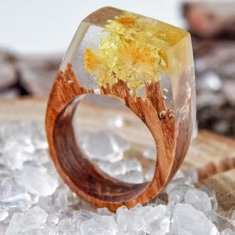Кольцо из эпоксидной смолы и дерева, с жёлтыми сухоцветами, кольцо с сухоцветом, подарок для женщин
