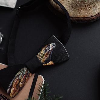 Галстук-бабочка из натурального дерева. Акриловая роспись.