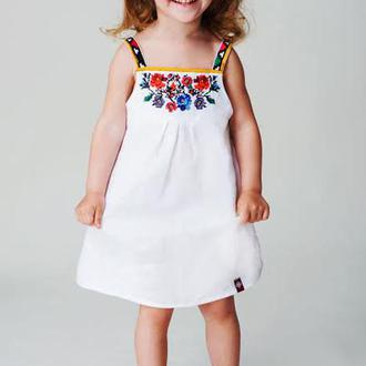 Сукня для дівчинки з дизайнерською вишивкою