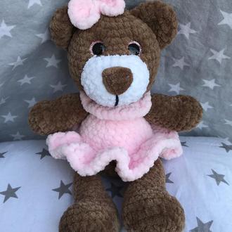 Дівчинка ведмедик з плюшевої пряжі