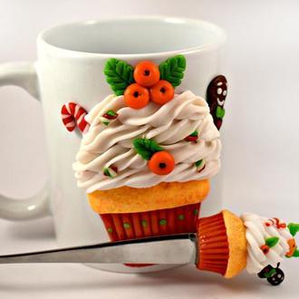Новогодняя чашка, новогодний подарок, подарок подруге, чашка из полимерной глины, кружка с декором