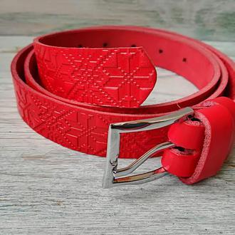 Женский кожаный ремень красная вышиванка полосами
